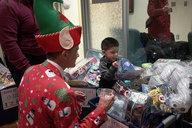 Bottomless Toy Chest plays Santa to kids with cancer at Children's Hospital of Michigan