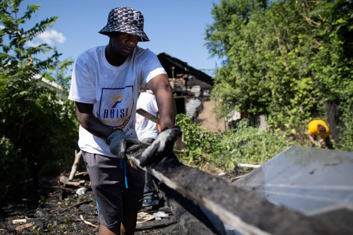 Volunteers will dig in to change Detroit during ARISE Detroit! Neighborhoods Day