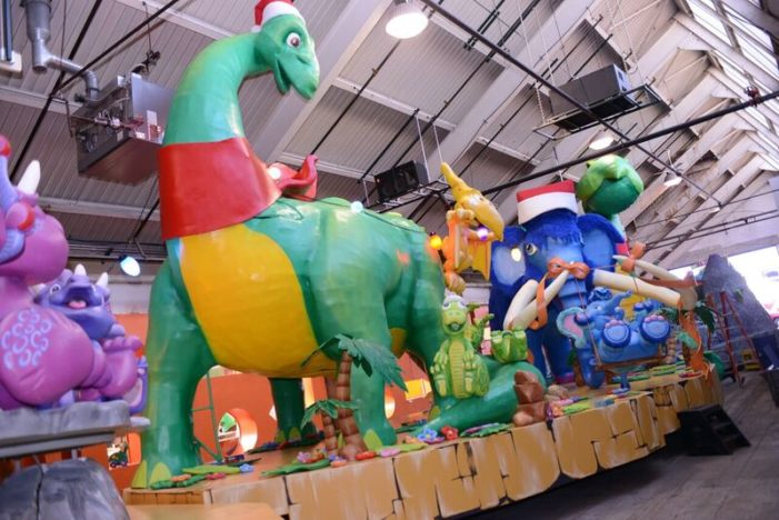 Dinosaurs star on Art Van float for Thanksgiving Day Parade, the second oldest in the U.S.