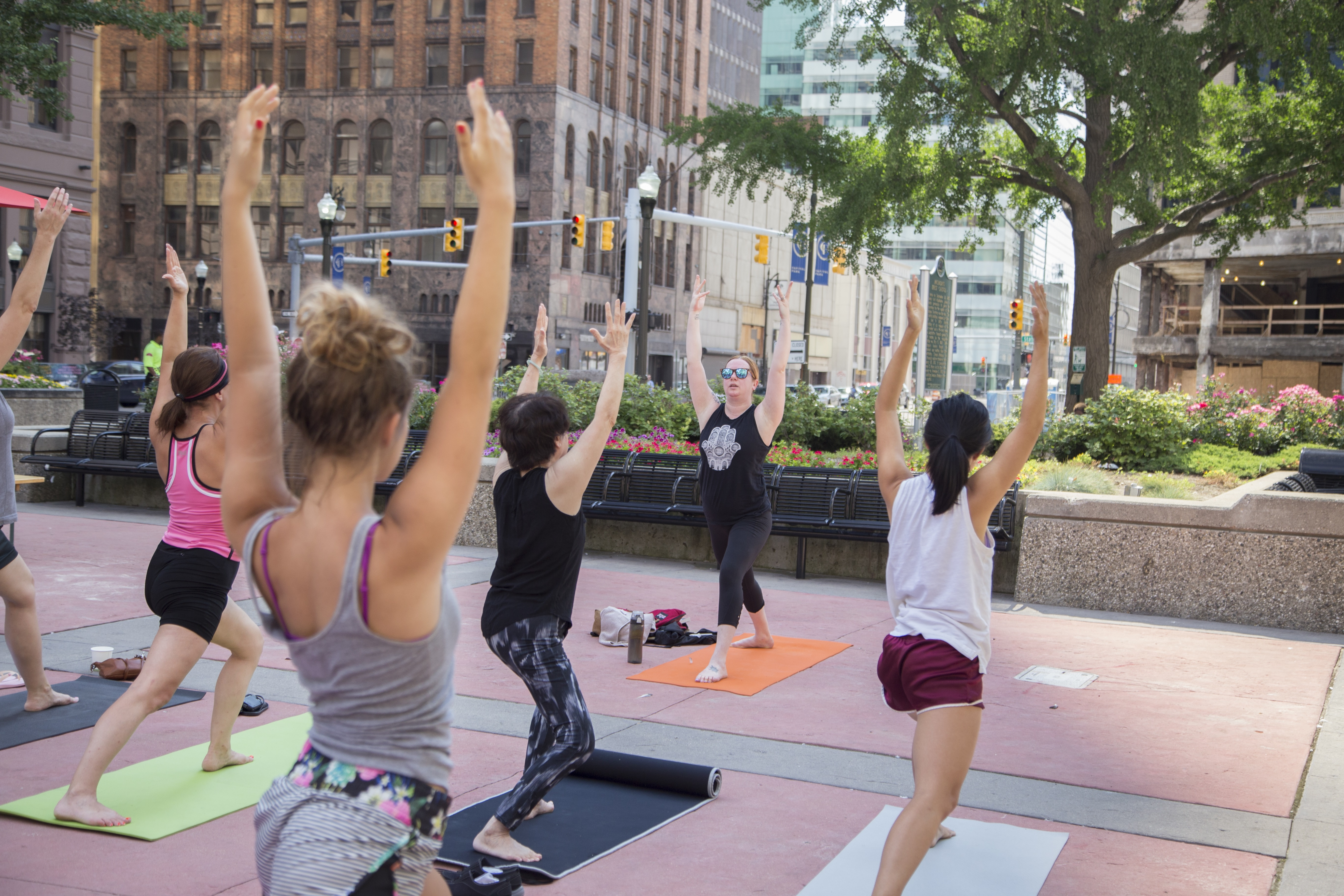 Get moving! Detroit parks offer free yoga, volleyball ...